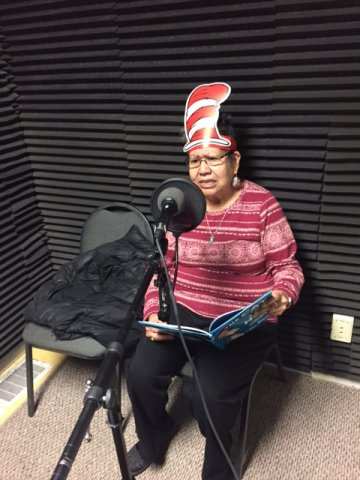 barb t reads dr suess